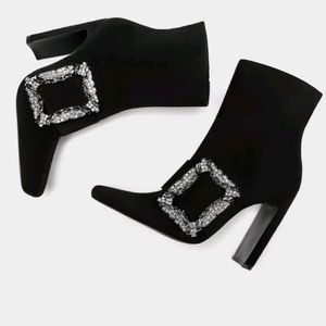 💝HP💝 Zara ankle boots with encrusted buckle